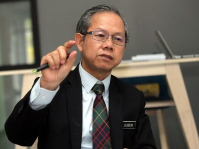 PERAK 31-01-2019.( SL 20190131 SMOKE ) Deputy Health Minister Dr Lee Boon Chye walked into a perfect storm when he announced smoking is banned in all restaurants, coffee shops and hawker centres starting January 1.MALAY MAIL/Farhan Najib